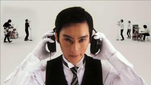 椿屋四重奏アルバム『孤独のカンパネラ』TV-CMに俳優・石川伸一郎が出演 (c)Listen Japan