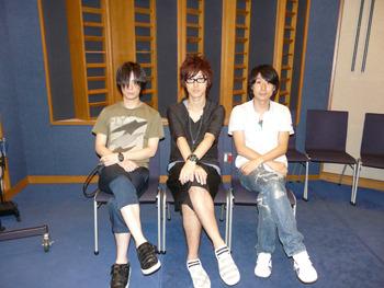 コメントを寄せて頂いた、左から鈴木達央さん、櫻井孝宏さん、鈴村健一さん (C)フロンティアワークス