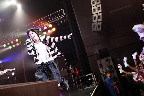 動画サイトで人気のシンガー、ピコが渋谷AXでイベントを開催 (c)Listen Japan