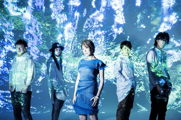 la la larks(写真左より、ターキー、クボタケイスケ、内村友美、江口亮、三井律) (okmusic UP\'s)