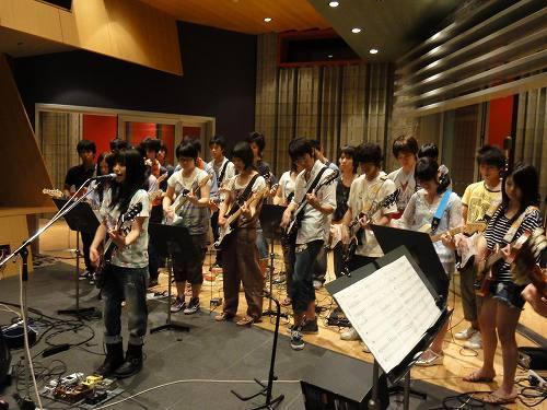 シンガーソングライターのmiwaが「miwa軽音楽部」を発足 (c)Listen Japan