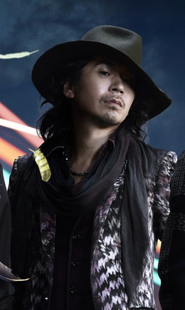 ken(L'Arc~en~Ciel) (okmusic UP's)