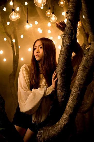 映画「武士の家計簿」のイメージソングを歌うManami (c)Listen Japan