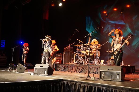 MeteoroiD、初のアメリカ公演を大盛況で終演!8月3日のヤミの日に進化した彼らが再び日本のステージへ! (okmusic UP's)