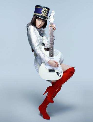 布袋寅泰との強力コラボで2ndシングルをリリースする栗山千明 (c)ListenJapan
