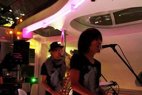 松本零士がプロデュースした水上バスでリリースパーティを開催した中塚武 (c)Listen Japan