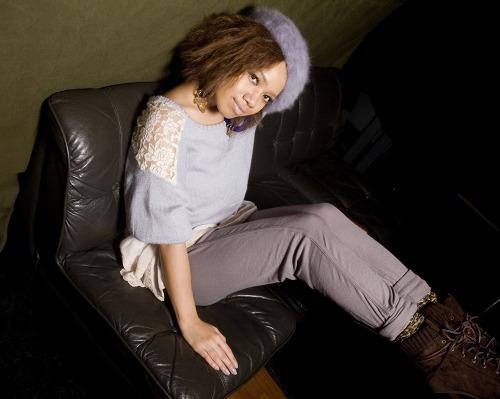 R&Bシンガー・ソングライターのEMI MARIAが新作発表 (c)Listen Japan