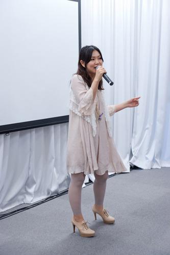 イベントで「ToHeart2 adnext」主題歌を披露した上原れなさん (c)ListenJapan