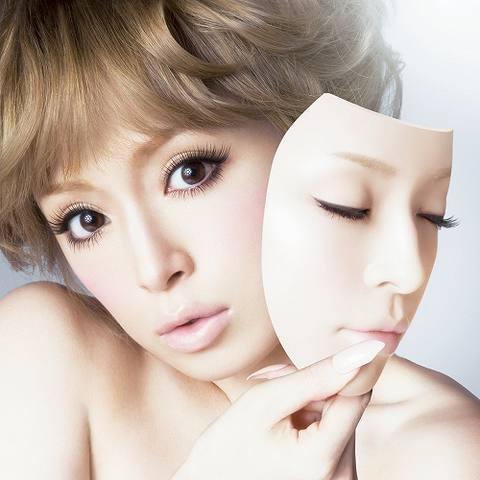 通算50枚目のシングルをリリースした浜崎あゆみ (c)Listen Japan