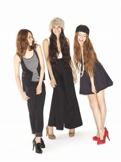 女性ファッション誌「S Cawaii!」のトップモデル、道端アンジェリカ、松本アキ、Arime (c)Listen Japan
