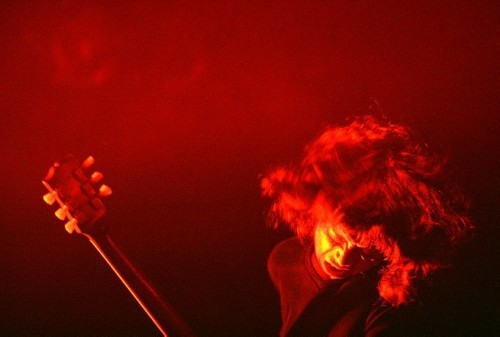 『加藤仁史写真展 PAST LIGHT? - YURA YURA TEIKOKU1998−2009 -』展示写真 (c)Listen Japan