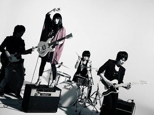 Heavenstamp(ヘブンスタンプ)がラッセル・リサックとコラボ (c)Listen Japan