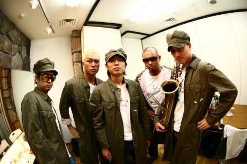 破格の新録ベスト発売が決定したPE'Z (c)Listen Japan