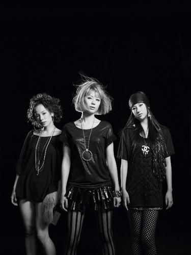 7月リリースのミニアルバム『HIP!UP!POP!』に続き、アニメコラボとなったYA-KYIM (c)ListenJapan