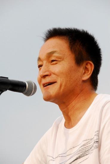 デビュー以来、数々の名曲を発表してきた小田和正 (c)Listen Japan
