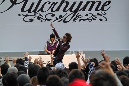 川崎ラゾーナでライヴイベントを開催したHilcrhyme (c)Listen Japan