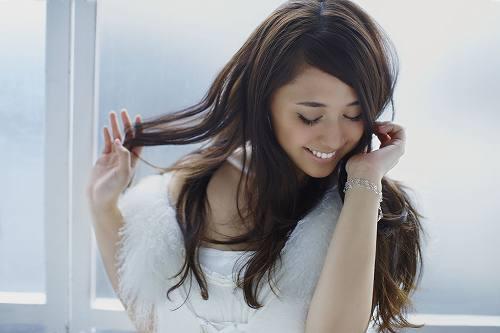 1月12日にフルアルバム「Answer」でメジャーデビューする中村舞子 (c)Listen Japan
