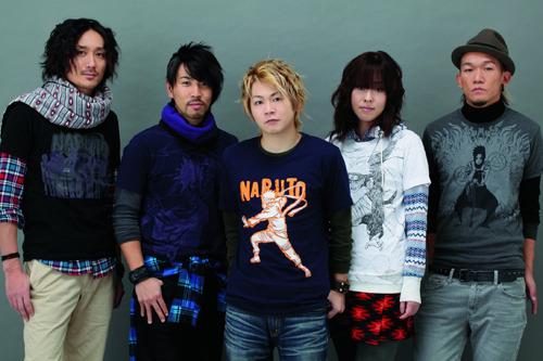 「NARUTO-ナルト-」×ユニクロTシャツを纏ったAqua Timezのメンバー (c)ListenJapan
