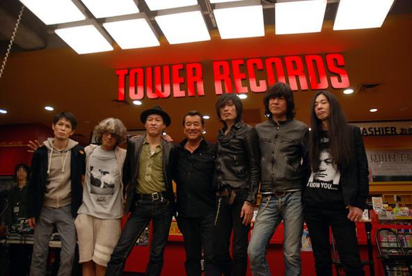 タワーレコード渋谷店で発売記念のトーク&握手会を実施 (okmusic UP\'s)