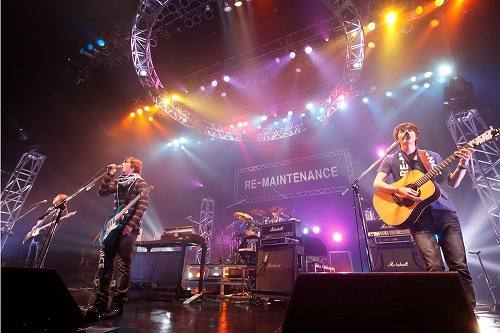 Zepp Tokyoでツアーファイナルを開催したCNBLUE (c)Listen Japan