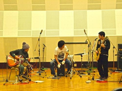 ライヴ形式のレコーディングをUstream中継したサンボマスター (c)Listen Japan