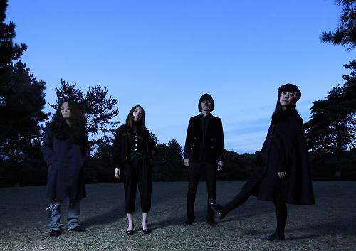 DL限定曲「光のたてがみ」をリリースしたSEBASTIAN X (c)Listen Japan