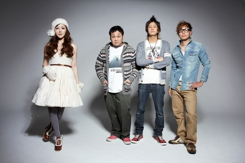 8utterfly(バタフライ)とHIPHOPユニットのウエイスト (c)Listen Japan