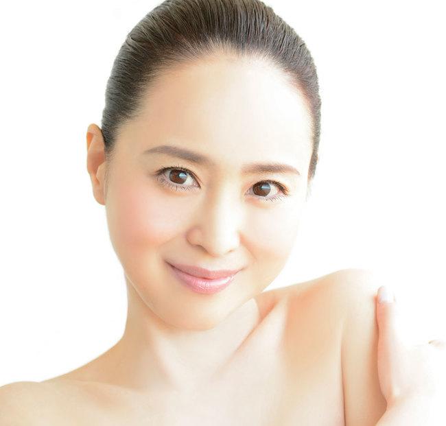 松田聖子、YOSHIKIプロデュース「薔薇のように咲いて 桜のように散って」 MV公開
