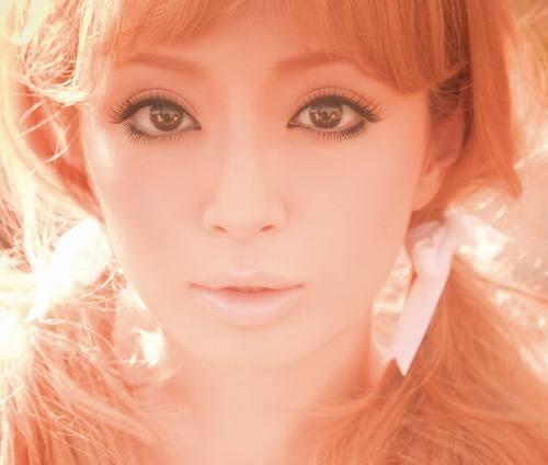 浜崎あゆみ最新作『Love songs』のアートワークを使用した最新きせかえキットが登場 (c)Listen Japan
