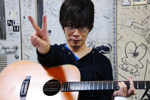 初のソロ作品をリリースする岸田繁 (c)Listen Japan