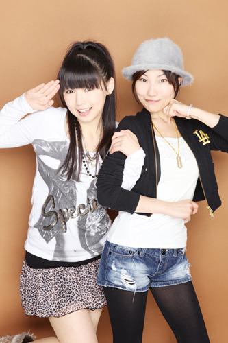 """下田麻美(左)、長谷川明子(右)によるユニット・""""Secret Character"""" (c)ListenJapan"""