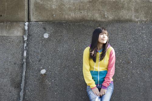 ニューシングルリリースを記念して特設サイトを開設したmiwa (c)Listen Japan