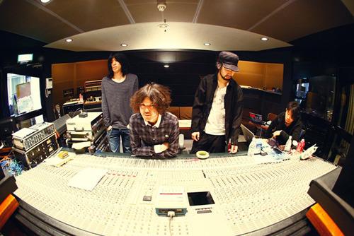 通算3枚目となるシングルをリリースする9mm Parabellum Bullet (c)ListenJapan