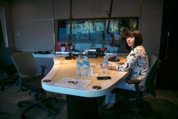 『サントリー天然水 presents 宇多田ヒカルのファントーム・アワー』収録風景写真  (okmusic UP\'s)