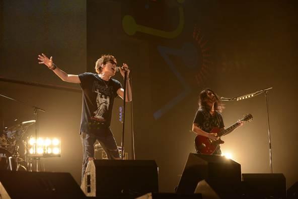 10月9日(日)@『ビクターロック祭り2016~大阪秋の陣~』(スガ シカオwith菅波栄純) photo by 大久保啓二、小林俊史 (okmusic UP's)