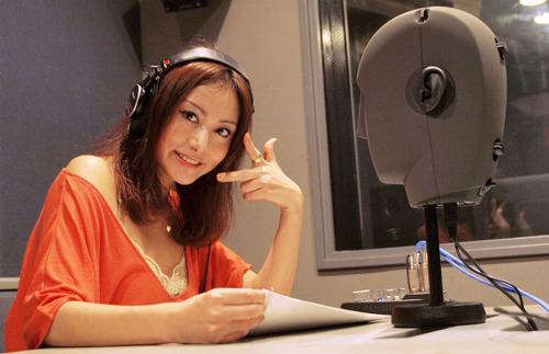 """人気美人声優・たかはし智秋が読む""""憲法""""の学習用CDがリリースに (c)ListenJapan"""