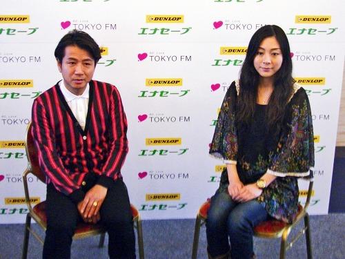 『アース&ヒューマンコンシャスライブ2011』に出演する藤井フミヤと植村花菜 (c)Listen Japan