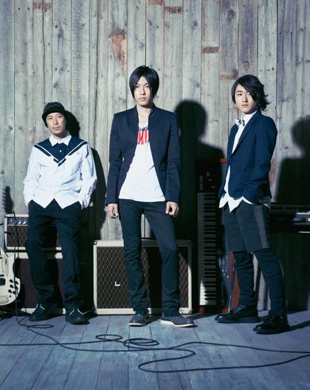 3人体制で再始動を発表したフジファブリック (c)Listen Japan
