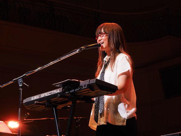 『奥華子 10周年ありがとう!弾き語り全曲ライブ!』@東京よみうりホール (okmusic UP's)