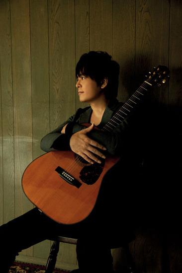 『情熱大陸フェス』第2弾で出演が発表された葉加瀬太郎の盟友押尾コータロー (c)Listen Japan