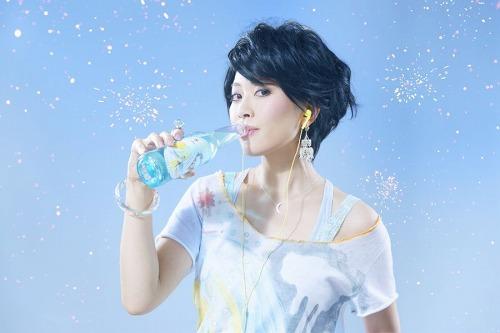 ニューアルバム『HATSUKOI』をリリースする坂本美雨 (c)Listen Japan