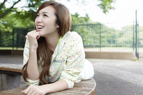 7月に4thシングル「NEVER GIVE UP!」をリリースするKylee (c)Listen Japan