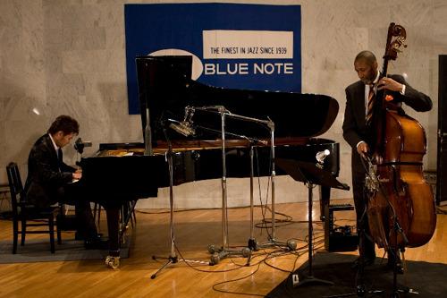 ジャズ界のレジェンド、ロン・カーターと気鋭のピアニスト、松永貴志が公開録音