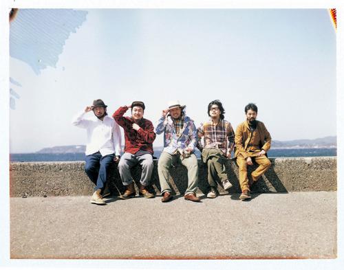 SPECIAL OTHERS+キヨサク(モンゴル800)のコラボが実現 (c)Listen Japan