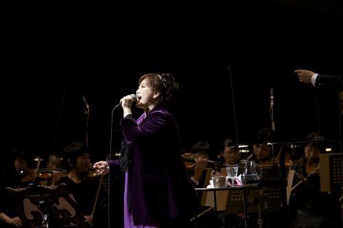 コンサートで新曲リリースをファンに発表した渡辺美里 photo by Daisuke Akita (c)Listen Japan