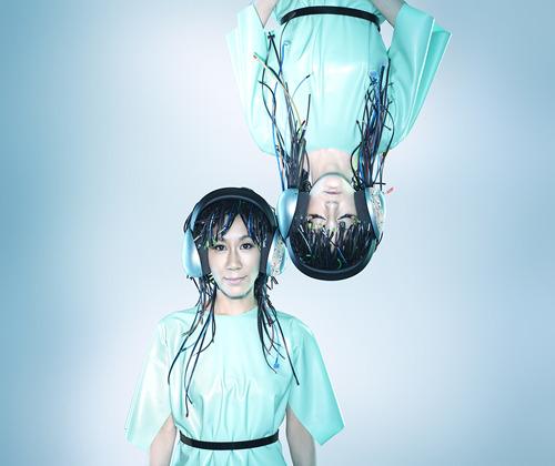 イラリア・グラツィアーノのヴォーカル曲を集めたアルバムをリリースするYOKO-KANNO×ILA (c)ListenJapan