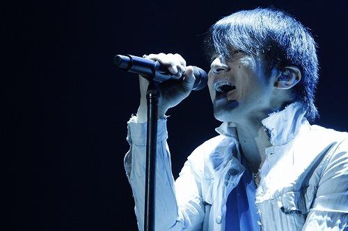 "『Mr.Children Tour 2011 ""SENSE""』最終公演の中でスタジアムツアーを発表したMr.Children (c)Listen Japan"