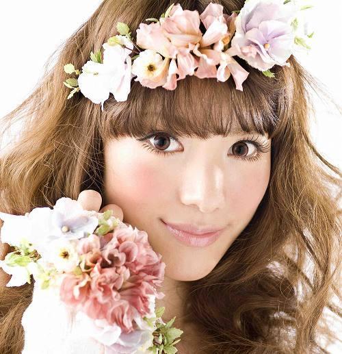 配信先行シングル「100年に一度の愛しています。」をリリースするTiA (c)Listen Japan