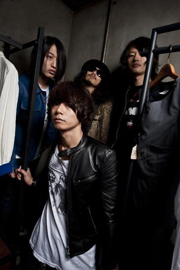 7月にニューシングルを発売することを発表した[Champagne] (c)Listen Japan