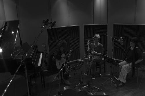 初のコラボアルバム『calendula』をリリースする<naomi & goro & 菊地成孔> (c)Listen Japan